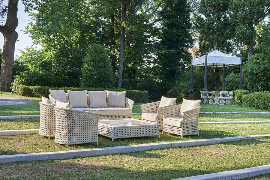 Designing an outdoor lounge with DFN: what you need to know 4