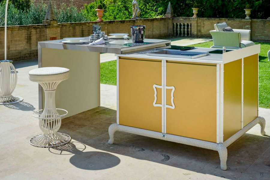 How to design a luxury outdoor kitchen 3