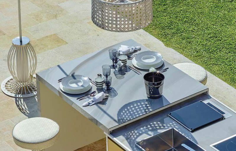 Luxury outdoor kitchen island