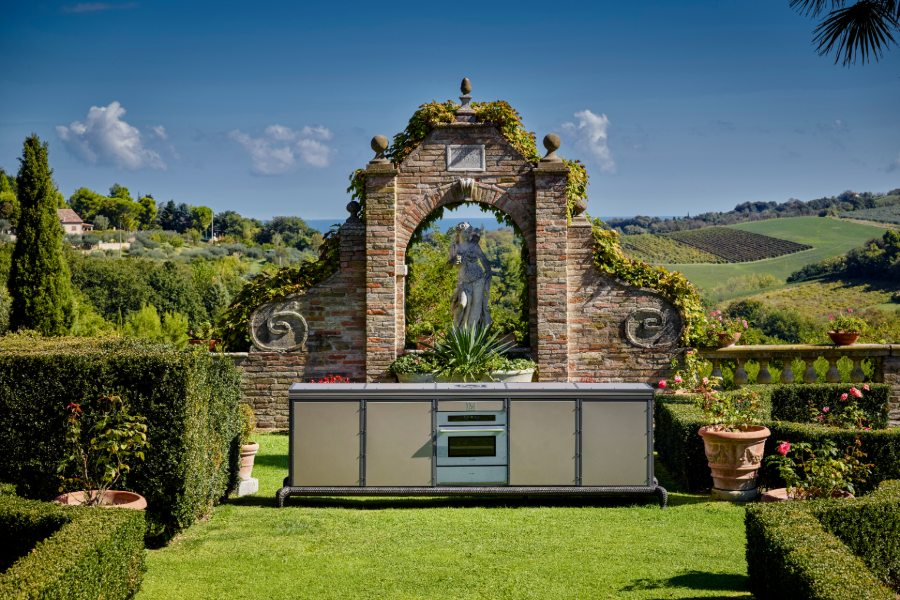 Which luxury outdoor kitchen appliances should you consider? 5