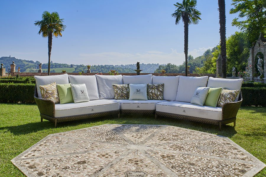 What are the best outdoor furnishings for your climate? Sofa Samuele Mazza