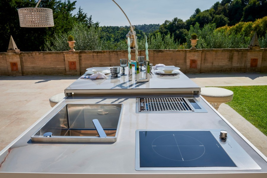 The best luxury outdoor kitchen finishes for furnishing an outdoor space 2