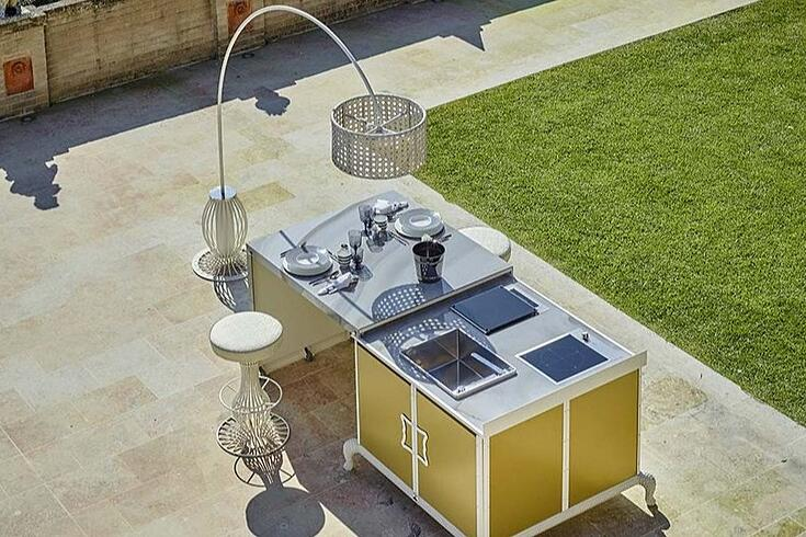 How to design a luxury outdoor kitchen light