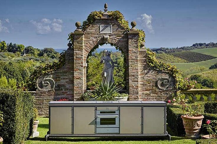 How to design a luxury outdoor kitchen atmospheres