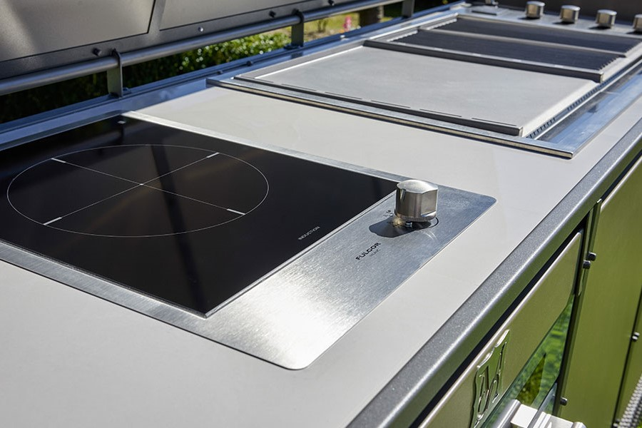 How to design a luxury outdoor kitchen induction hob