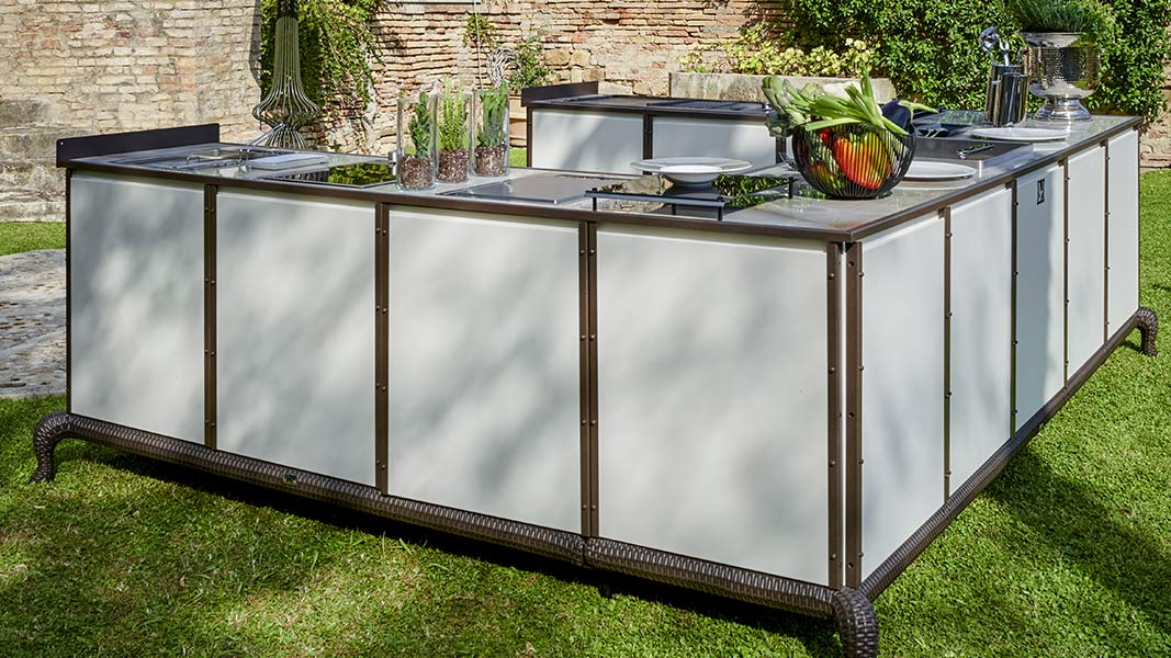 How to design a bespoke outdoor kitchen 1