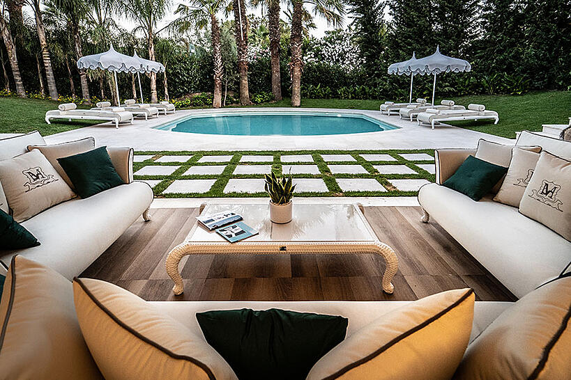 5+1 tips to keep in mind when designing a poolside lounge furniture