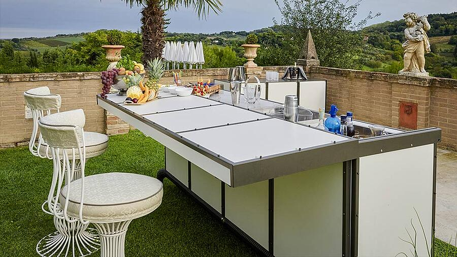 Give personality and exclusivity to luxury outdoor kitchen designs with DFN solutions 7