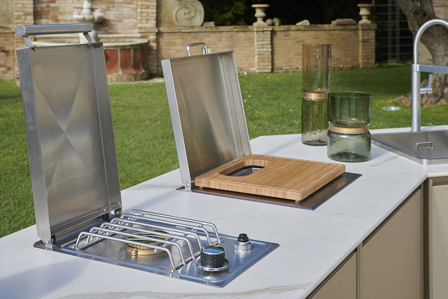 Improve an outdoor space with an outdoor kitchen island: Samuele Mazza outdoor collection 2