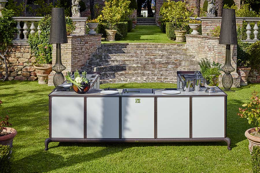 Improve an outdoor space with an outdoor kitchen island: Samuele Mazza outdoor collection 6