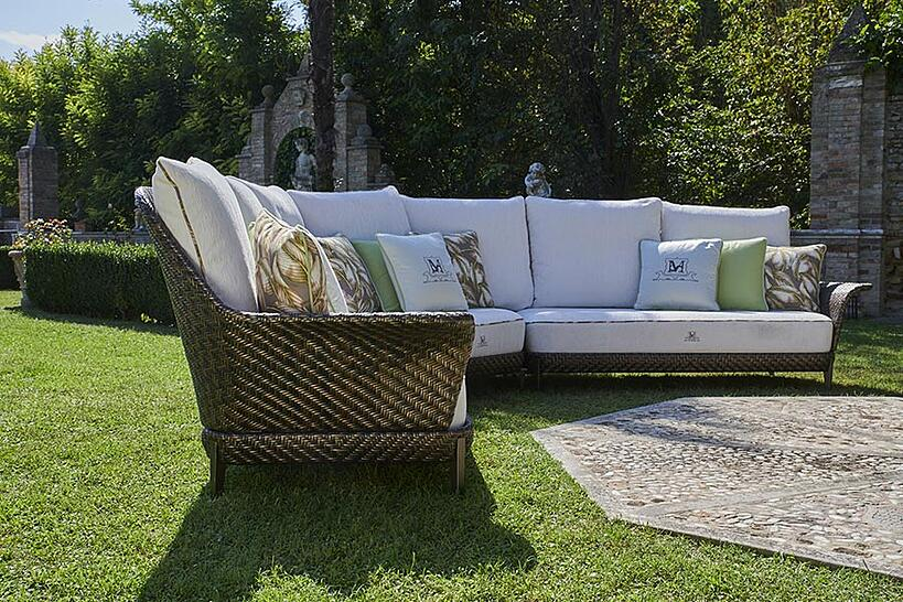 Designing an outdoor lounge with DFN: what you need to know outdoor sofa