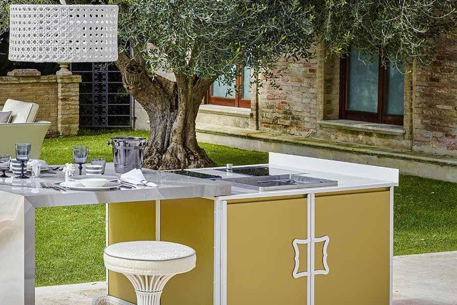 luxury outdoor kitchen 7 must haves 2