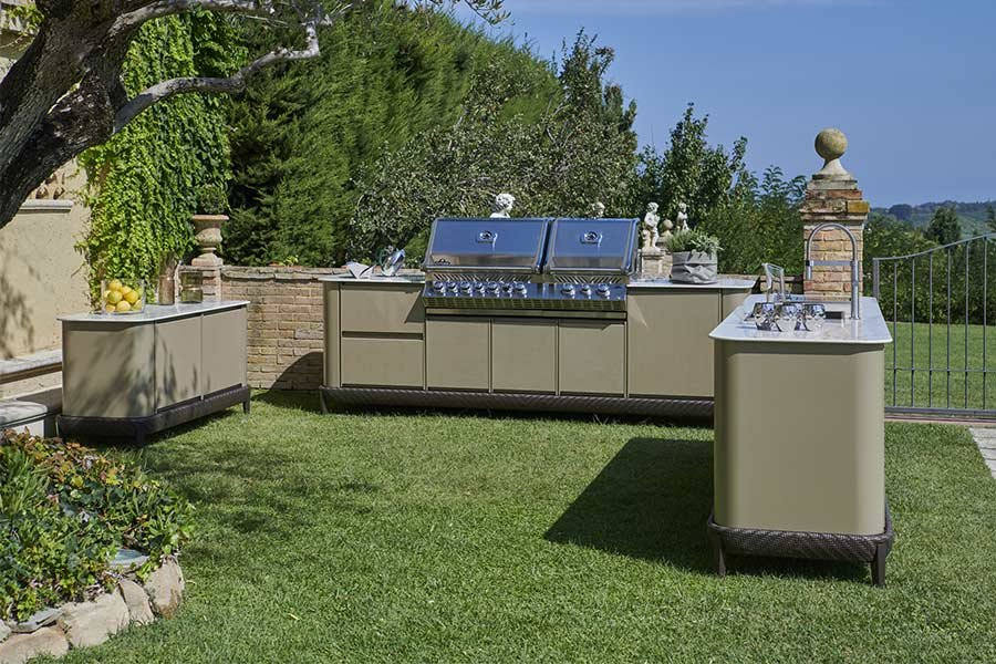 Luxury outdoor kitchen: ideas to furnish an outdoor space 3