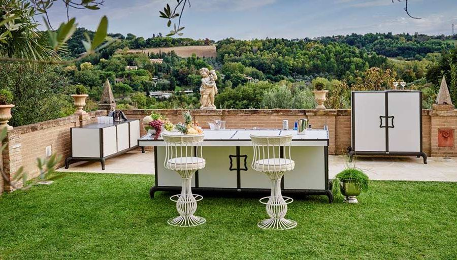 planning the perfect luxury outdoor kitchen-bar