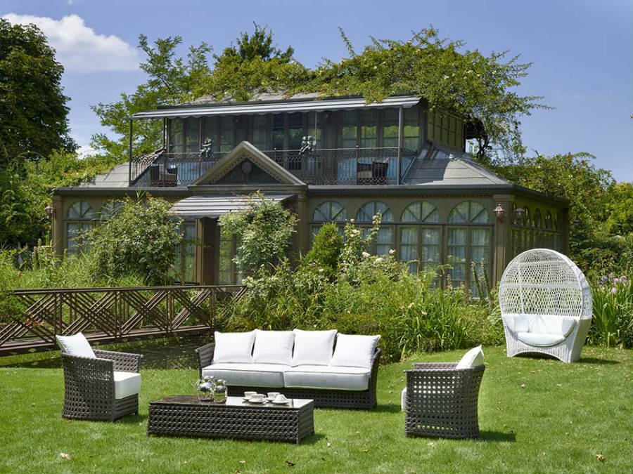 How-to-improve-outdoor-spaces-with-luxury-conservatories-7