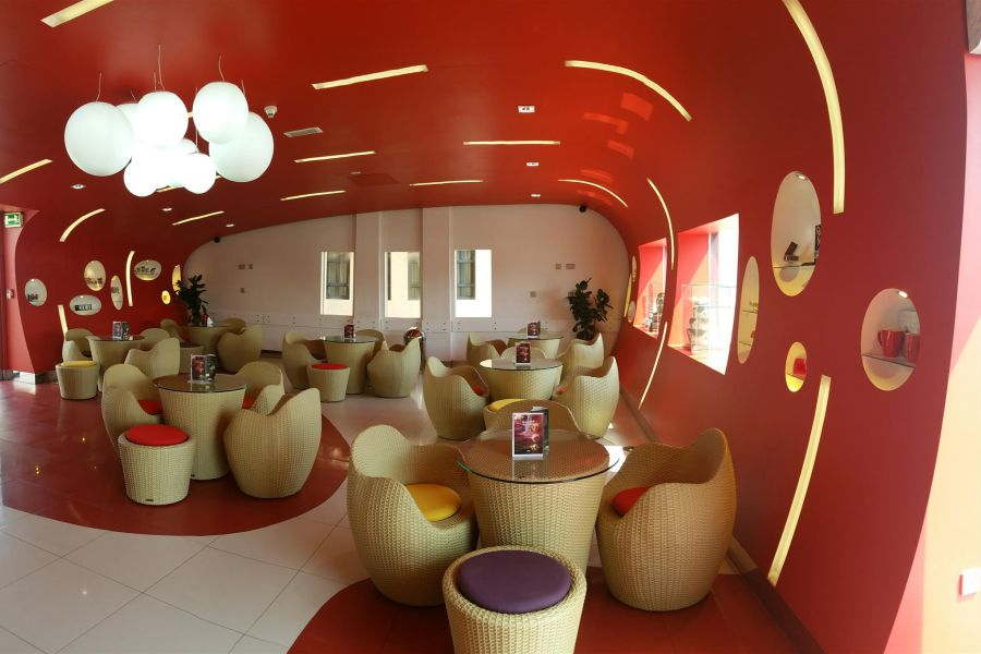 Luxury-outdoor-contract-red-velvet-2