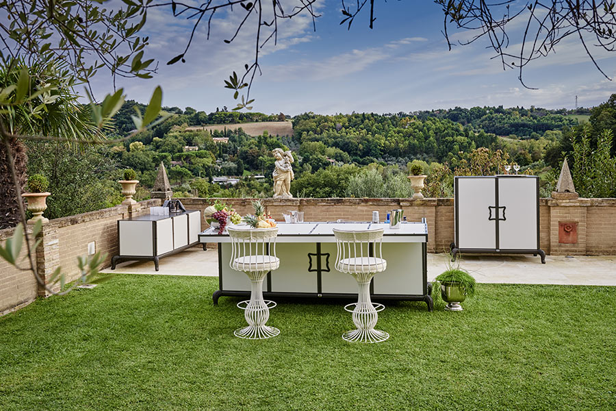 Top 7 benefits of a linear outdoor kitchen