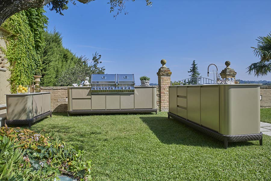 dfn-personalise-outdoor-space-curved-kitchen