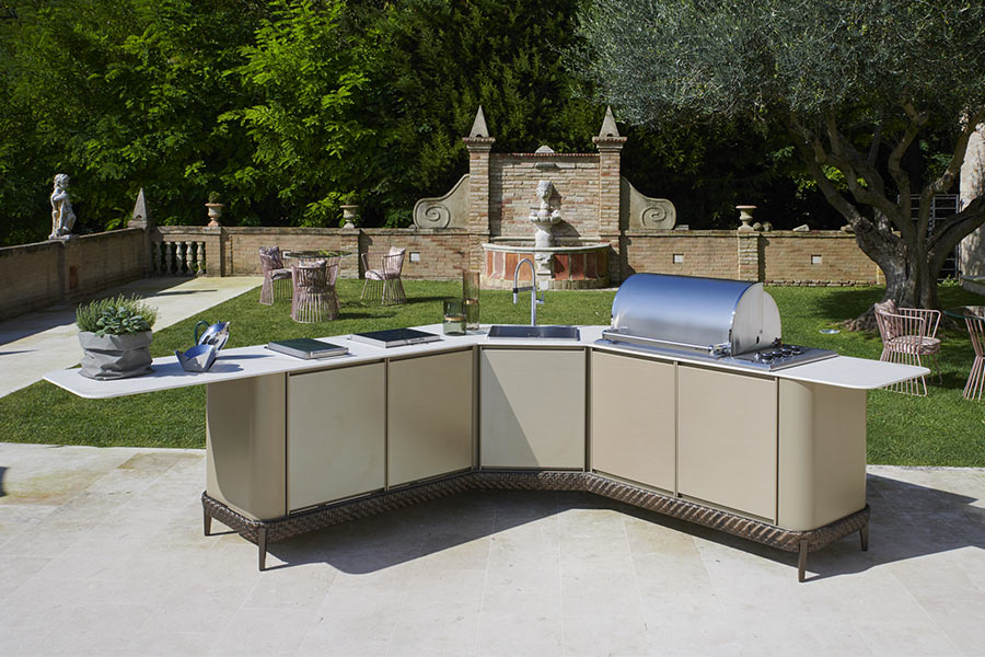 Improve an outdoor space with a kitchen island: Samuele Mazza outdoor collection